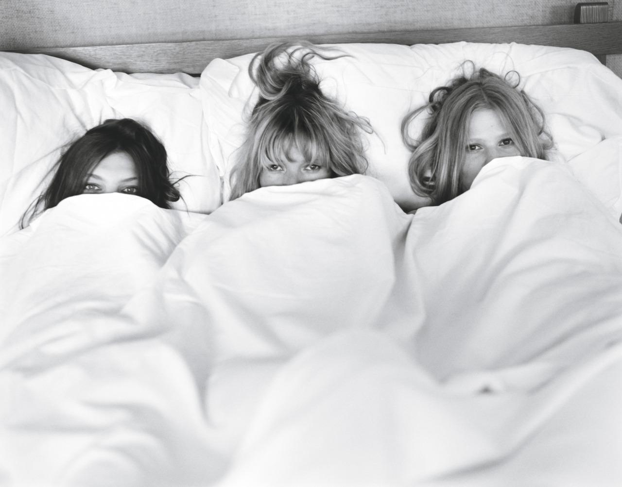 Проснулся в кровати сестры 23 фотография